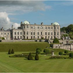 Powerscourt_Garden_and_House1-mtdjbigohsnv3m2xdsptasrrc5p1334a86che199gw