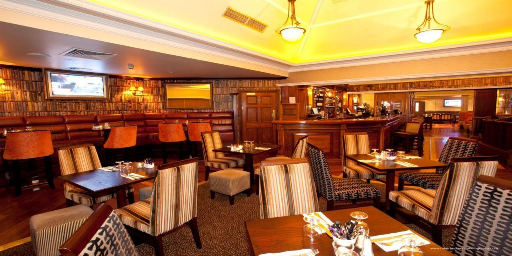Bailey's Bar & Bistro 6
