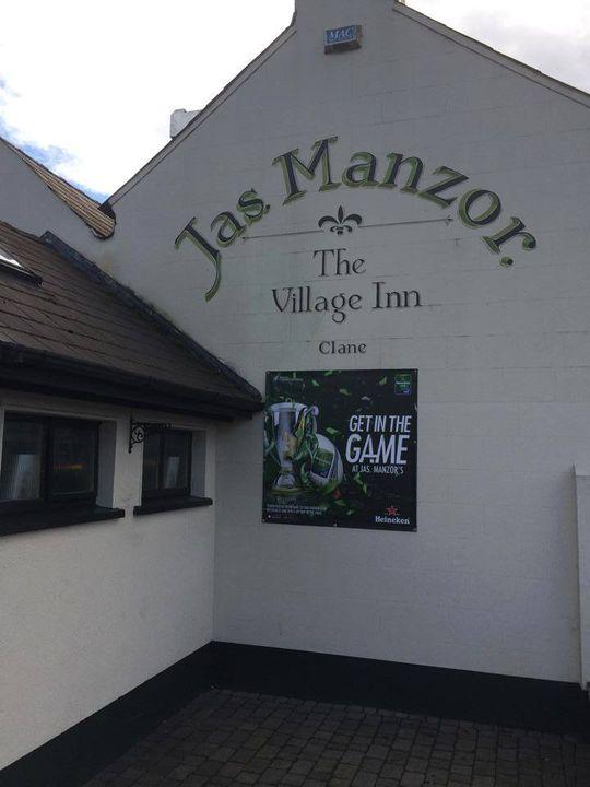 Manzors The Village Inn 1