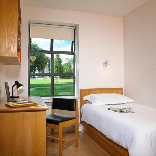 River Apartment Bedroom